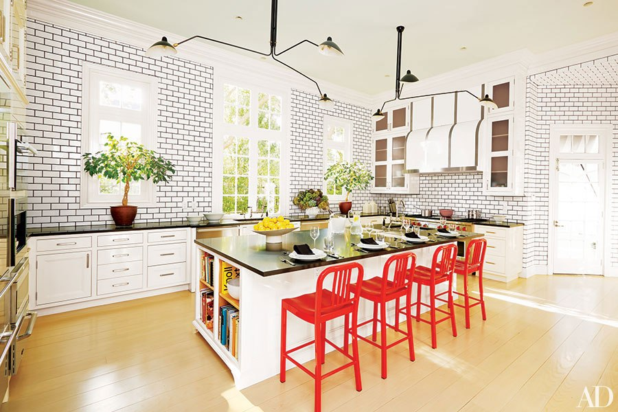item0.rendition.slideshowHorizontal.colorful-kitchens-inspiration-01