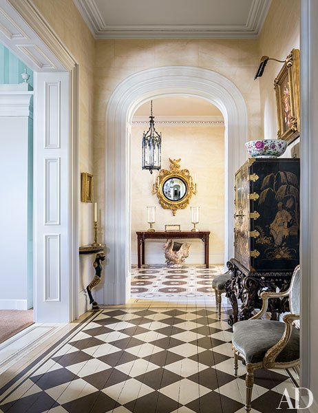 item6.rendition.slideshowVertical.patricia-altschul-charleston-home-07-entrance-hall
